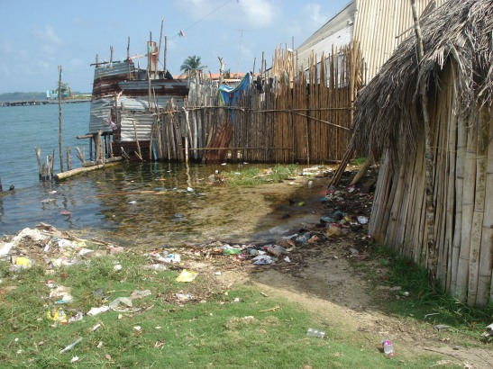Sea level rise encroaching on the Kuna Yala community of the IPCCAs Panama local assessment (IPCCA 2014)